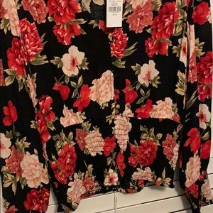 American Eagle Outfitters Tops - Floral top